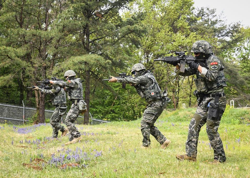 해병대  2사단 수색대대 기동사격 훈련 4.jpg