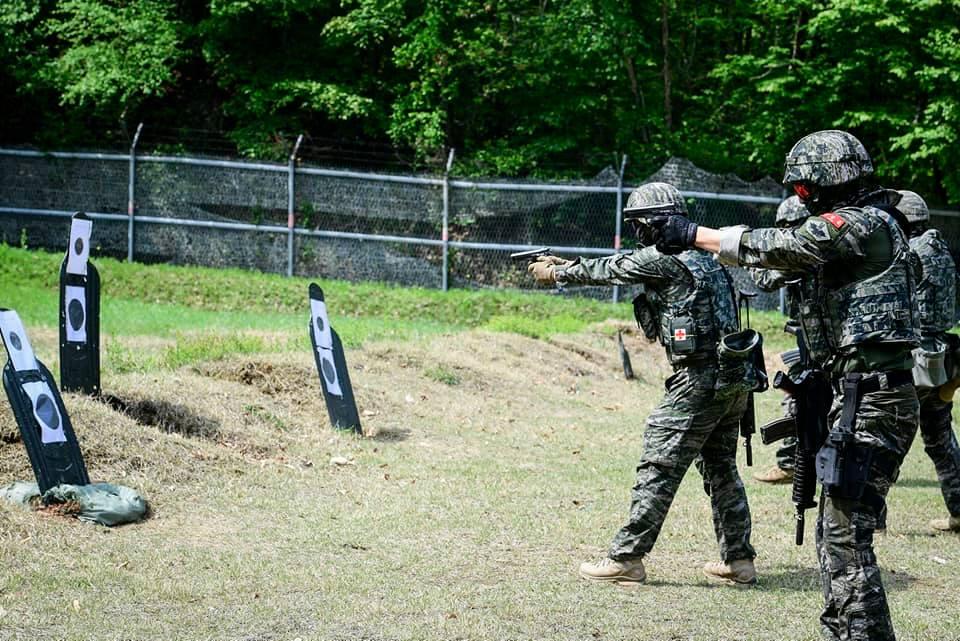 해병대  2사단 수색대대 기동사격 훈련 2.jpg