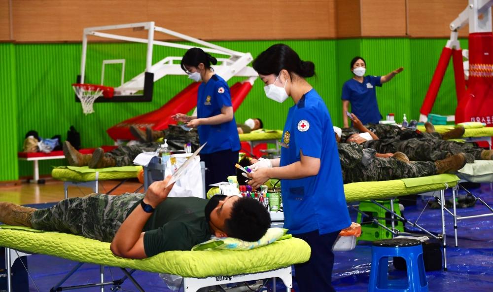 해병대 제6여단, 단체 헌혈로 생명 나눔 실천 1.jpg