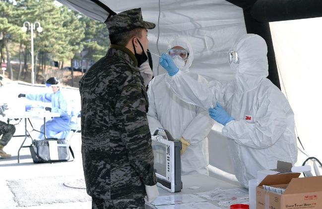 해병대6여단, 코로나 확진자 발생 상황 가정 야외기동훈련.jpg
